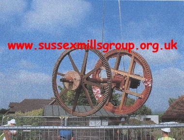 Lowering the windshaft, complete with brakewheel and tailwheel onto the ground : [Taken at 11.20 am on 7/9/04]